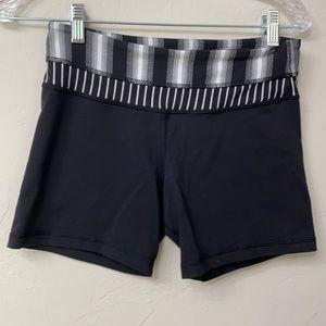 Lululemon black reversible shorts size 6